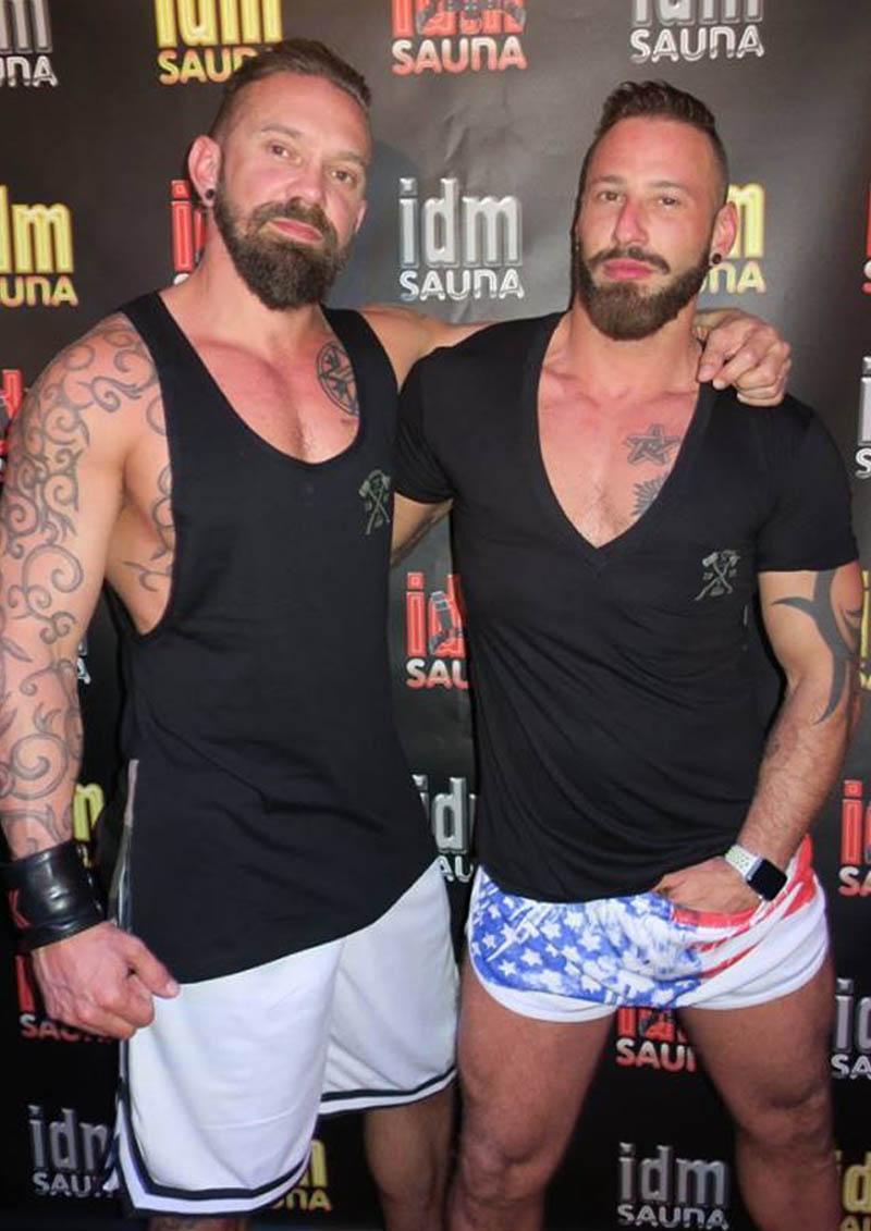 sauna gay laisse tomber ta serviette
